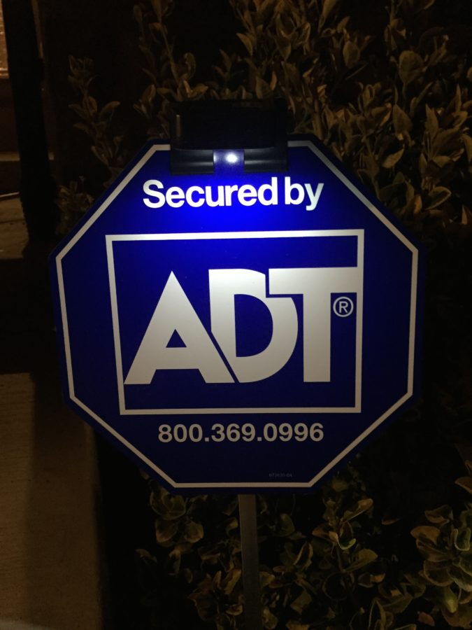 Adt Solar Yard Sign Light With 3 Leds Make Sure Burglars